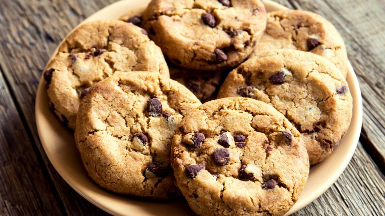 Make The Best Chocolate Chip Cookies Ever With These Hacks