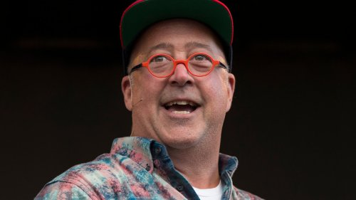 Andrew Zimmern Recommends This Fresh Salad Dressing For Everything