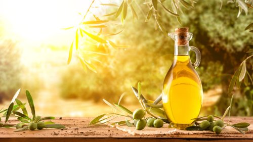 This Is The Perfect Fruit To Infuse Into Olive Oil