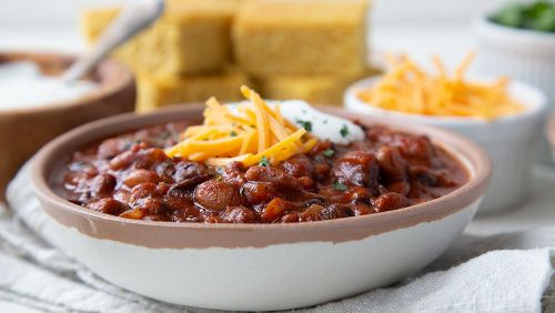 3-bean vegetarian chili that's perfect for weeknights