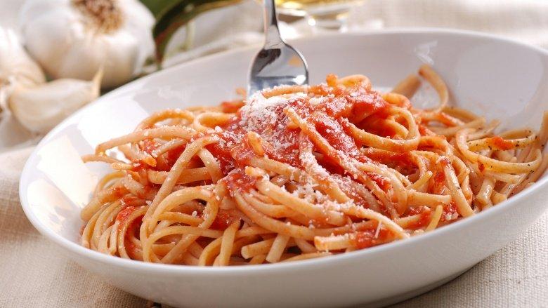 Here's How To Eat Spaghetti Like A True Italian