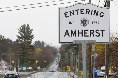 Amherst School Committee reopens discussion on whether 6th grade should remain in elementary school or move to middle school