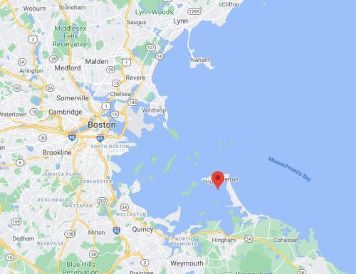 State police divers, US Coast Guard searching for 39-year-old man in Hull Bay