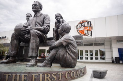 Basketball Hall of Fame hosting COVID vaccine clinic: Get the shot, get free ticket to Hoop Hall