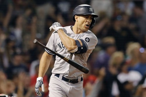 Giancarlo Stanton's 452-foot homer sinks Red Sox, Yankees pull even in AL Wild Card race
