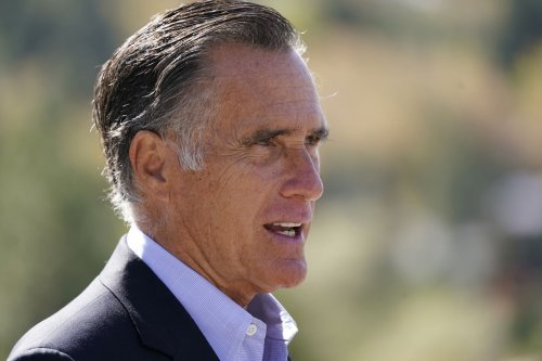 For vote to convict Trump, Romney given JFK Profile in Courage Award