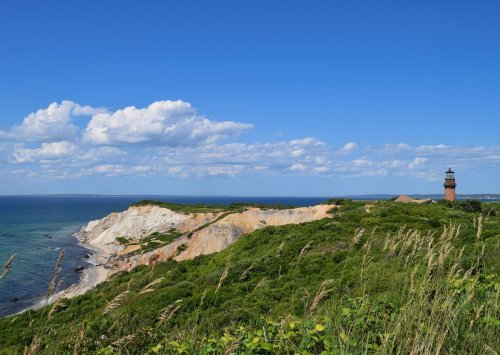 How to plan a cheap, last-minute vacation to Martha's Vineyard