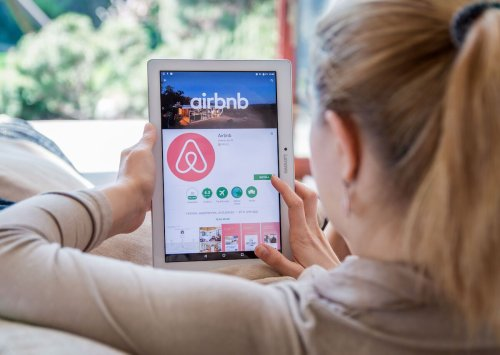 8 things Airbnb guests do that hosts hate, according to hosts themselves