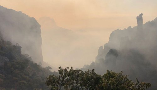 Wildfire burns over 850 acres of Texas' Big Bend National Park