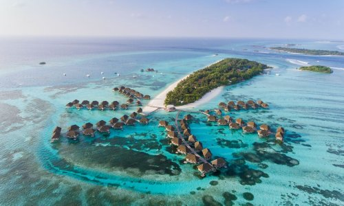 The Maldives will give vaccines to tourists upon arrival