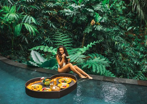 The top hotels for extravagant floating breakfasts and how much they cost