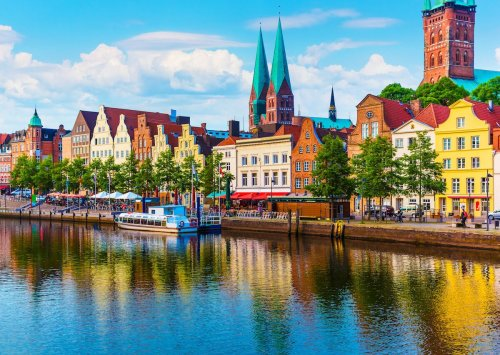 Germany welcomes vaccinated international travelers