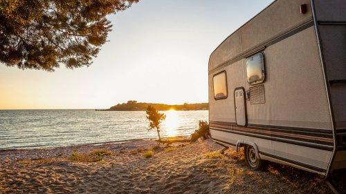 Erster Urlaub mit Wohnwagen: Das sollten Sie beachten