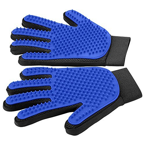 Gentle pet grooming glove from DELOMO