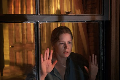 The Woman in the Window Review: Don't Even Bother Until the Joe Wright Cut Is Available