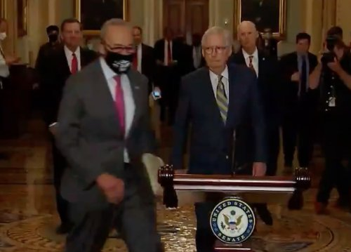 WATCH: Chuck Schumer Comes From No Where to Beat Mitch McConnell in Race to Press Conference Lectern