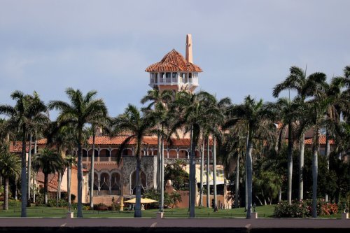 Wedding-Crasher-in-Chief: Town Attorney Rules That Trump Can Live at Mar-a-Lago as a 'Bona Fide Employee'