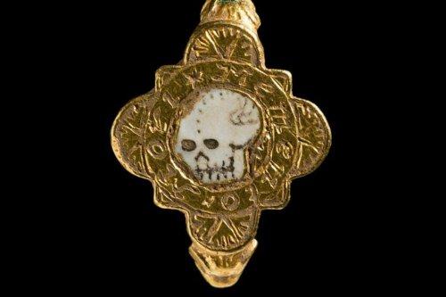 Welsh Treasure Trove Reminds Us of the Memento Mori