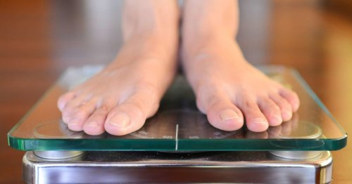 What is the average weight for men?