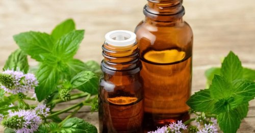 Essential oils for a sore throat: Lemon, peppermint, and more
