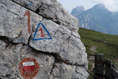 Alta Via 1: hiking on the Italian Dolomites