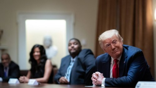 Donald Trump kündigt eigenes soziales Netzwerk an
