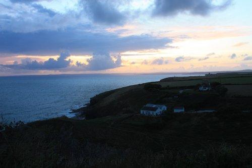 Mullion – Abendspaziergang entlang der spektakulären Küste Cornwalls