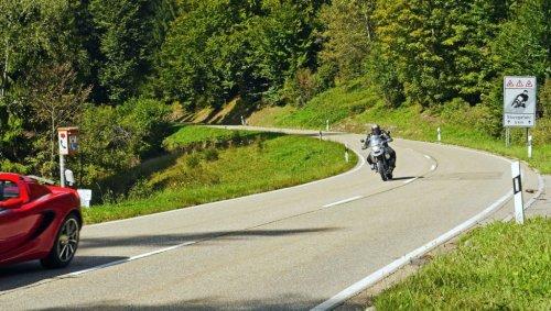 Fahrspaß contra Erholung: Motorradlärm im Fokus