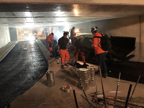 Neues von der Kombilösung: Innenausbau im Kriegsstraßen-Tunnel
