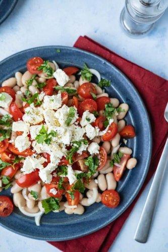 Schneller Weiße Bohnen-Tomaten-Salat mit Feta