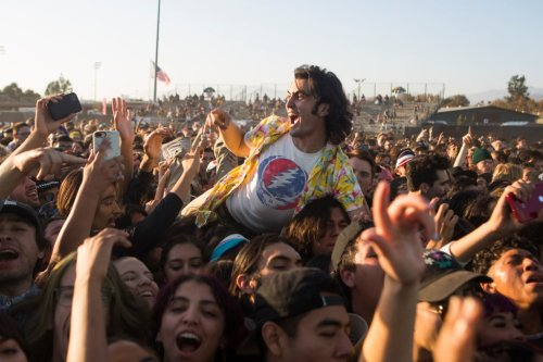 Out-of-state fans can attend concerts in California now, state officials say