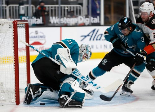 Sharks waste opportunity with lethargic performance vs. Ducks