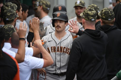 Yastrzemski back with Giants for their doubleheader with Nationals