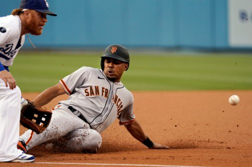 SF Giants rally in dramatic fashion, beat Dodgers, Jansen with another ninth-inning rally