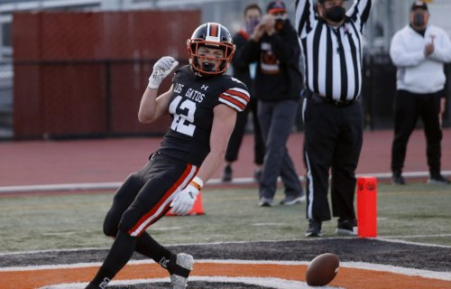 Prep football: Los Gatos ends magical spring, beats Palo Alto to finish 5-0
