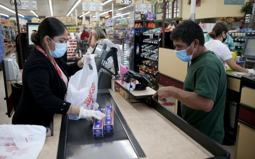 Redwood City passes temporary hazard pay for grocery, drugstore workers