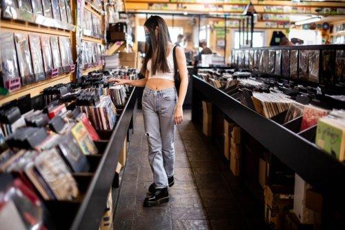 Walmart to host its first online 'Vinyl Mania Week'