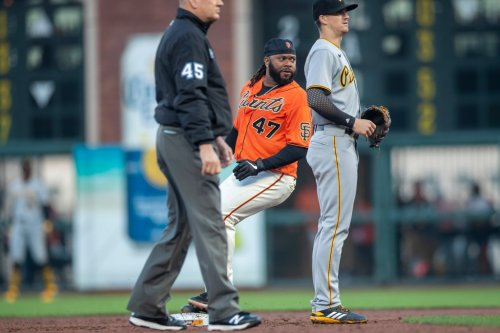 SF Giants: The story behind Johnny Cueto's rare stolen base