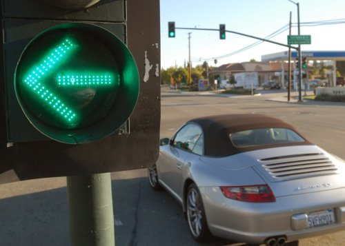 Why many Los Angeles drivers covet Bay Area's traffic signals: Roadshow