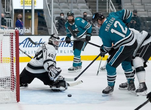 Martin Jones shines as Sharks continue mastery over Kings