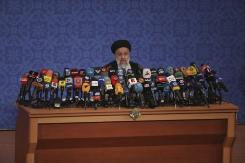 US seizes a number of Iranian news websites