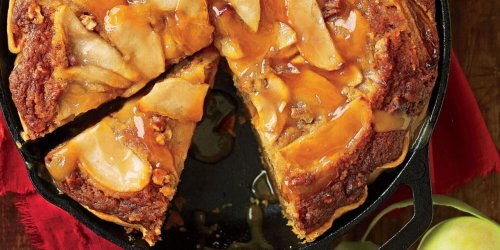 Serve a Slice of Fall with Our Caramel Apple Blondie Pie