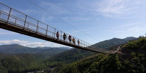 Gatlinburg SkyLift Park Offering Free Admission to Healthcare Workers in May