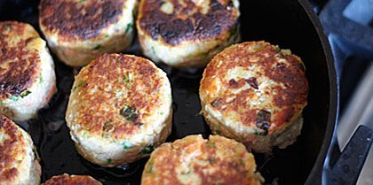 Potato-&-Wild-Salmon Cakes with Ginger & Scallions Recipe