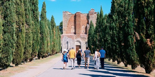This 4-week Program Lets You Live and Work in Tuscany While Learning About and Drinking Wine