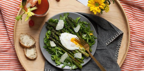 3 Mother's Day Breakfast-in-Bed Ideas to Make Mom Feel Like a Queen