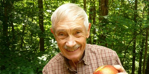 Tom Brown Is On a Mission to Restore Appalachia's Rare and Lost Apples, and He's Found Over 1,000 to Date