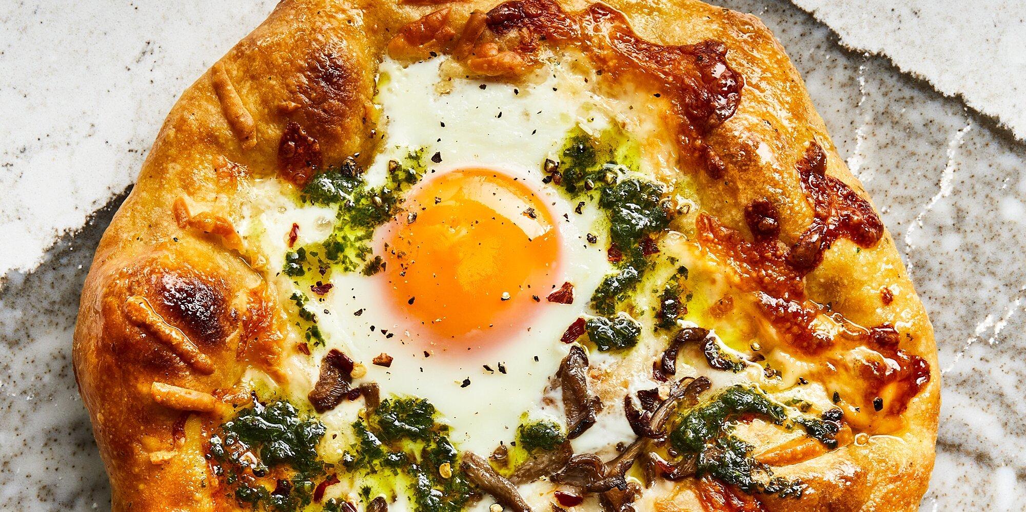 Smoky Breakfast Pizzas