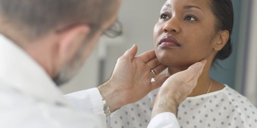 19 Thyroid Disease Symptoms You Should Get Checked Out ASAP