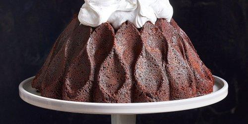 Hot Chocolate Marshmallow Bundt Cake